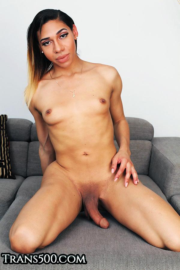 Hung Latina